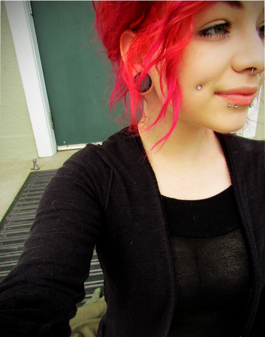 1000+ images about dimples piercings on Pinterest | Cheek ...